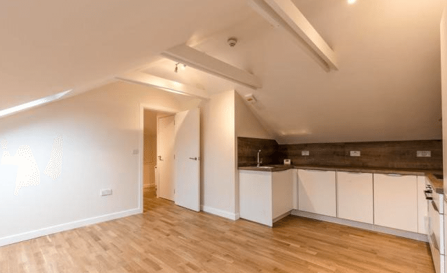 2 bedroom, Turnpike Lane