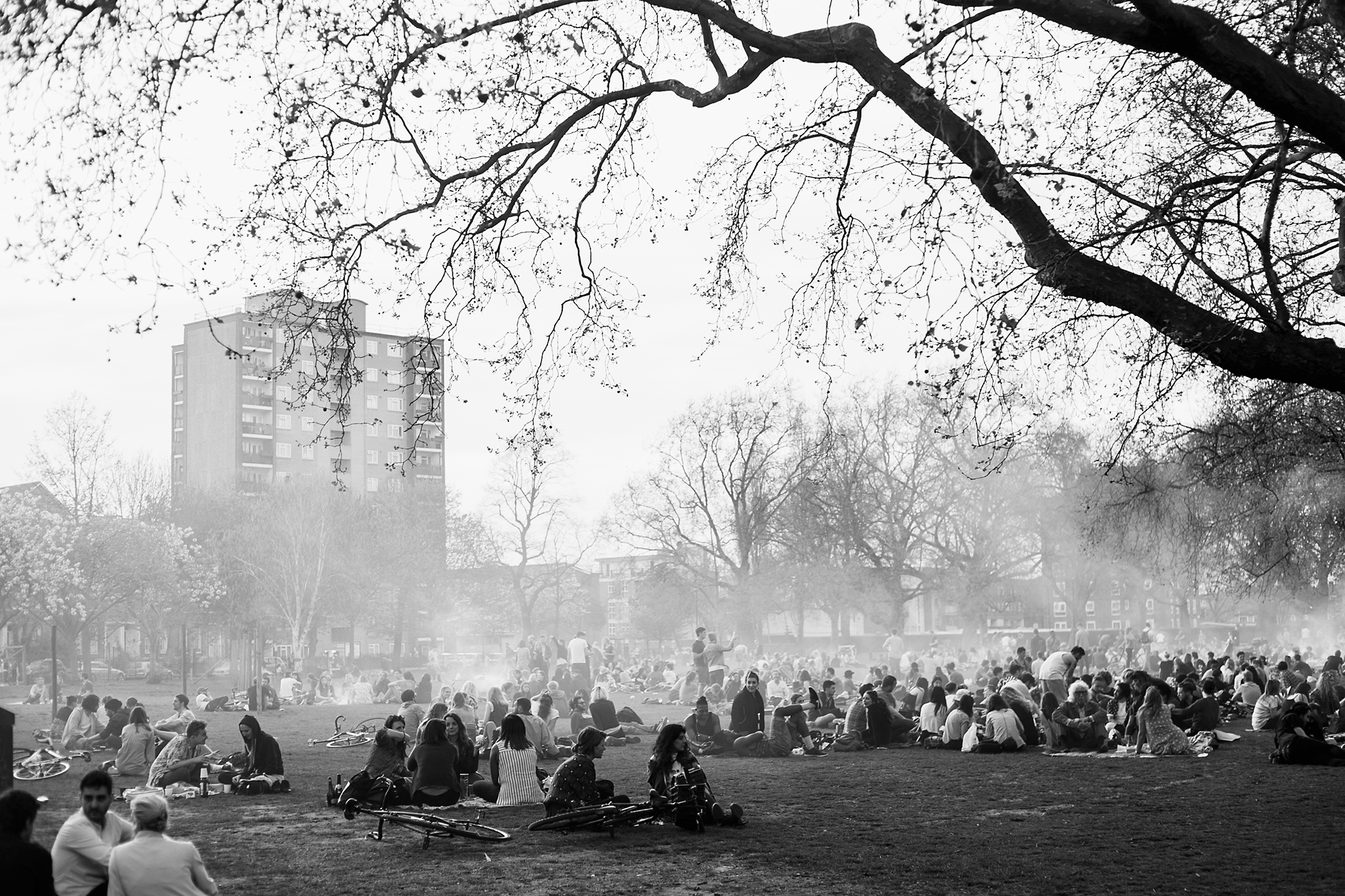 London-Fields-Barbecue,-Hackney
